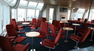 M/V Sea Endurance lounge area