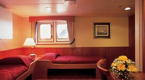 M/V Ocean Adventurer luxury suite